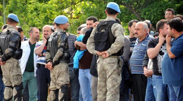 Yatağan İşçileri Cumhurbaşkanı Gül'e Yol Vermedi (2)