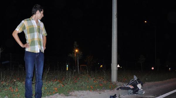 Yaya Geçidinde Otomobil Çarpan Anne Ve 8 Aylık Oğlu Öldü