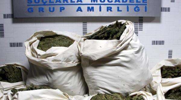 Yem Yüklü Kamyonette 306 Kilo Esrara 2 Tutuklama