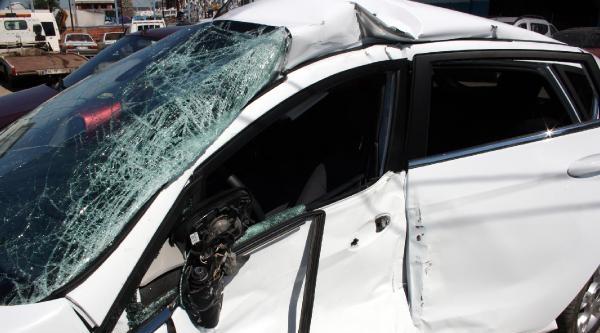 Yeni Aldığı Otomobille Yaptığı Kazada Annesiyle Birlikte Öldü