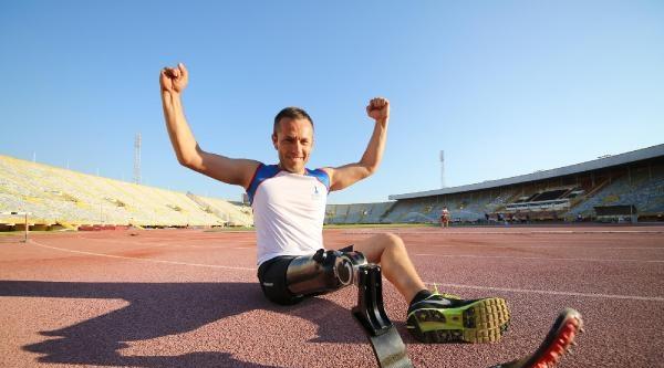 Yeni Bacağıyla Olimpiyatlara Hazırlanıyor