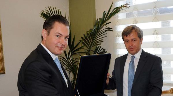 Yeni Büyükelçi'den Vali Çinar'a Ziyaret