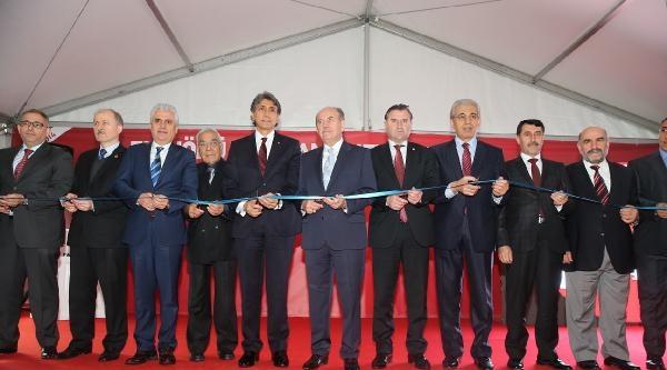 Yeni Cami Meydanı Açıldı