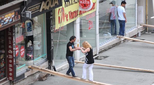 Yeni Dökülen Betonu Korumak İçin Tahtalı Önlem