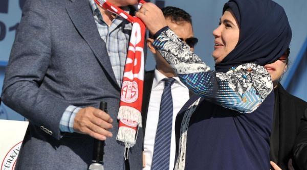 Yeni Kredi Ve Burs Miktarlarini Açiklayan Erdoğan: Kimse Türkiye'ye Operasyona Cüret Edemez
