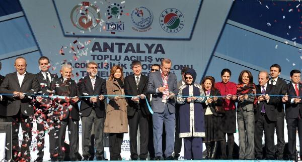 Yeni Kredi Ve Burs Miktarlarini Açiklayan Erdoğan: Kimse Türkiye'ye Operasyona Cüret Edemez / Ek Fotoğraflar