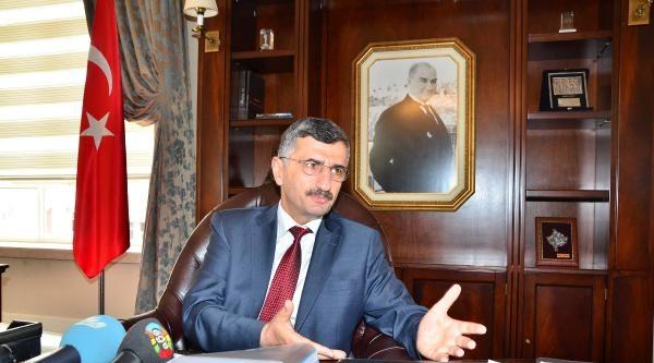Yeni Manisa Valisi Erdoğan Bektaş Göreve Başladı