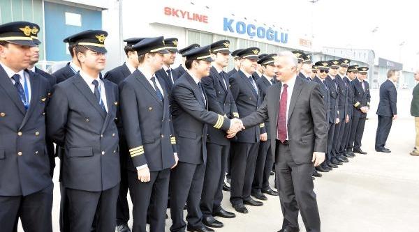 Yeni Mezun Pilotlar Havaya Şapka Attilar
