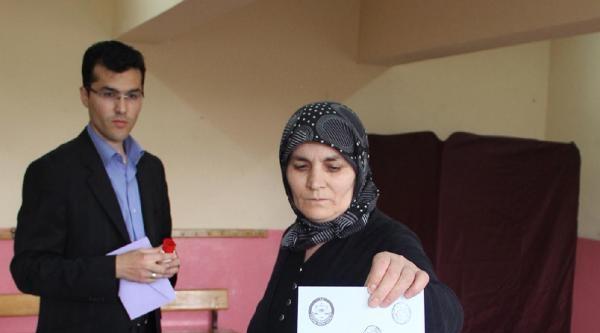 Yeniden Belde Olan Gömü'de Seçim Günü