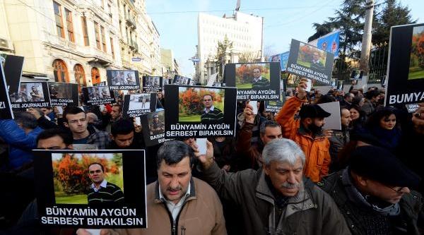 (Yeniden Ek Fotoğraflarla) -  Meslektaşlari Suriye'de Kaçirilan Milliyet Gazetesi Muhabiri Bünyamin Aygün Için Yürüdü