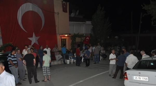 (yeniden) İzmir'e Şehit Ateşi Düştü