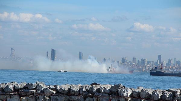 Yenikapı Açıklarında Tanker  Yangını