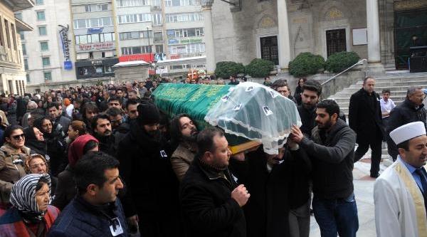 Yilbaşi Gecesi Öldürülen Ebru Erenler Toprağa Verildi