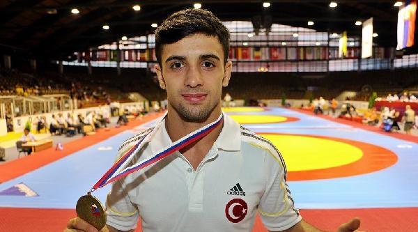 Yıldız Erkekler Dünya Grekoromen Güreş Şampiyonasi'nda Türkiye'ye Bronz Madalya