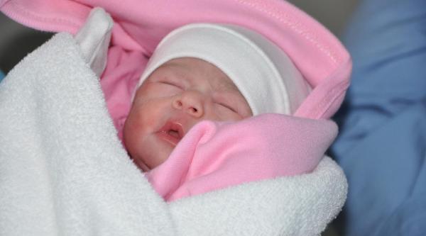 Yilin Ilk Bebeği 2 Kilo 900 Gram Doğdu