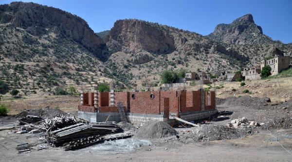 Yıllar Sonra Köylerine Dönen Asuriler Tapularını Geri İstiyor