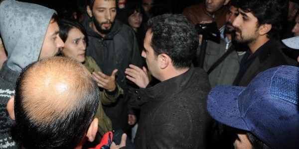 Yök'ün Kuruluşu 32. Yil Dönümünde Izmir'de Protesto Edildi