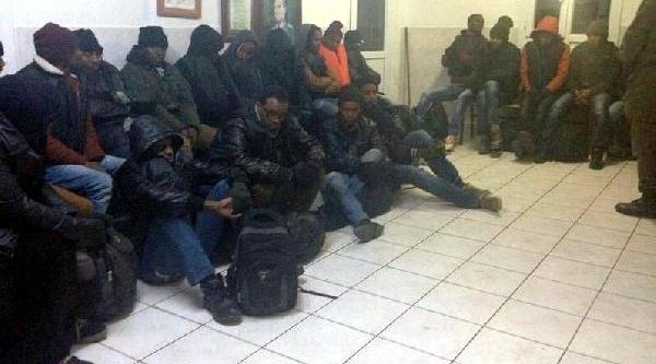 Yol Kontrolünde 25 Mülteci Yakalandi
