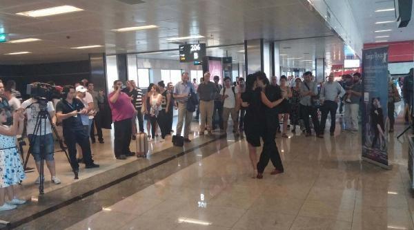 Yolcular Tango Gösterisiyle Uğurlanacak