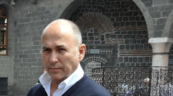 Yönetmen Özpetek, 'kemerleriniz Bağlayın'ın Galası İçin Diyarbakır'da