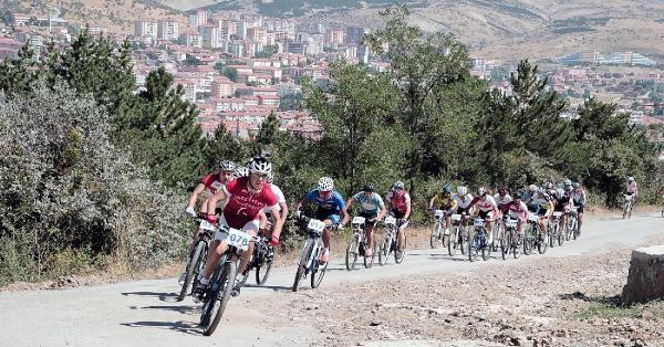 Yozgat Sürmeli Festivali'nde Yarışma Heyecanı
