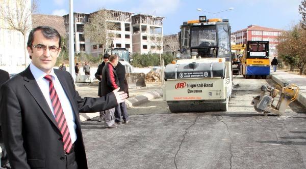 Yozgat'ta Kampusu İkiye Bölen Yolun Taşınması İstendi