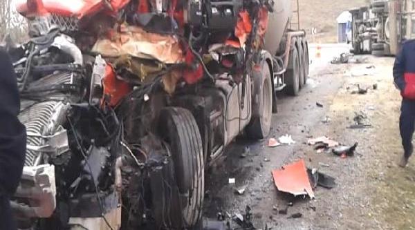 Yozgat'ta Trafik Kazasi: 1 Ölü, 5 Yarali
