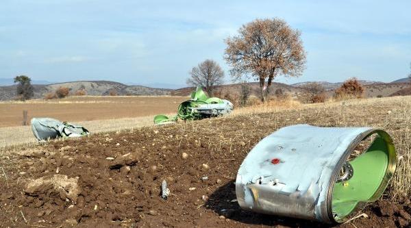 Yozgat'ta Uçak Yakit Tanki Parçasi Düştü- Ek Fotoğraflar