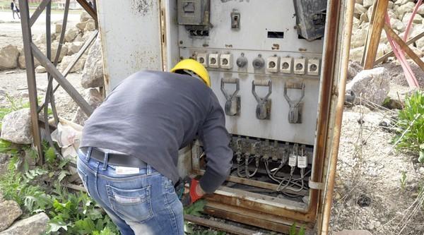 Yüksekova'da Otogar Ve Okulların Elektriği Borçtan Kesildi