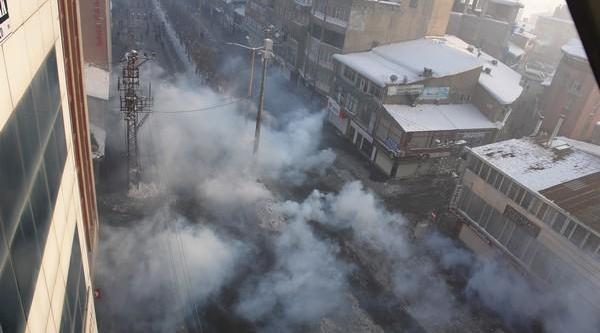Yüksekova'da Yürüyüş Ardindan Olaylar Çikti