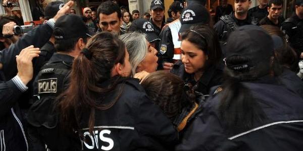 Yunanistan Başkonsolosluğu Önünde Protestoya Gözalti