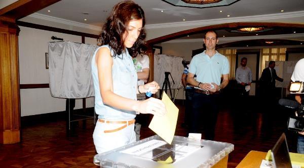 Yurt Dışındaki Türkler, Oy Kullanmaya Başladı