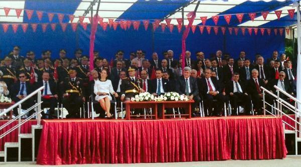 Zafer Bayramında Savaş Gemileri Ve Denizaltılar Halkın Ziyaretine Açıldı