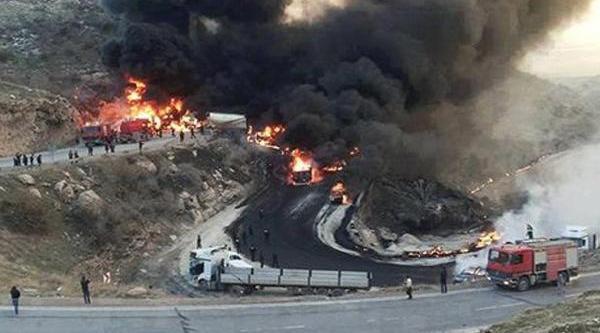 Zaho'da Tankerlerin Zincirleme Kazasi: 12 Kişi Yanarak Öldü