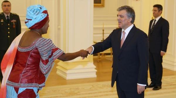 Zambiya Cumhuriyeti Büyükelçisi'nden Güven Mektubu