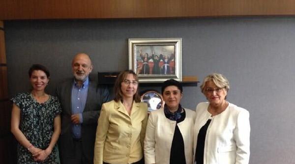 Zana, Avrupalı Parlamenterlerden İmrali'yi Ziyaret Etmelerini İstedi