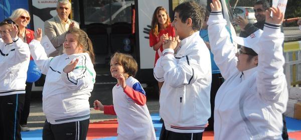 Zihinsel Engelliler Spor Yaparak Mutlu Oldu