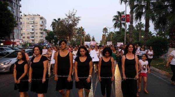 Zincirli Kadınlardan Işid'e Kanlı Tepki