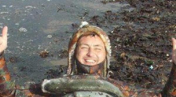 Zıpkınla Balık Avlamak İstedi, Tekne Çarpti
