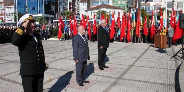 Zonguldak Ve Ereğli'de Alternatif Törenli Cumhuriyet Kutlamasi