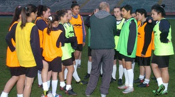 Zonguldakli Futbolcu Kizlarin Hedefi Milli Takim