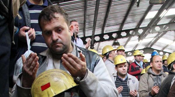 Zonguldaklı Madenciler, Soma'da Ölen Arkadaşları İçin Dua Etti