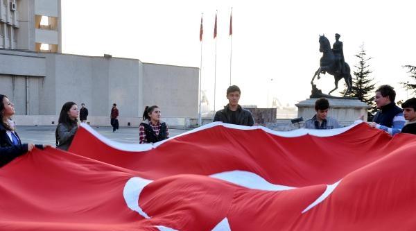 Zonguldak'ta 15 Kişi Şehit Polis Ve Askerler İçin Yürüdü