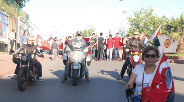 Zonguldak'ta 'bayrağa Saygı' Yürüyüşü