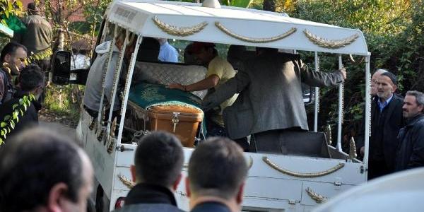 Zonguldak'ta Cinayet Ve Intihar: 2 Genç Öldü, Kiz Ağir Yarali (2)