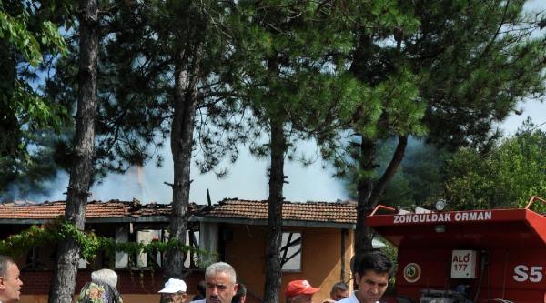Zonguldak'ta Evde Çikan Yangında, Anne Ve Kızı Öldü