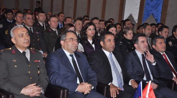 Zonguldak'ta Kadına Yönelik Aile İçi Şiddet Semineri