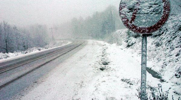 Zonguldak'ta Kar Ulaşimi Aksatti