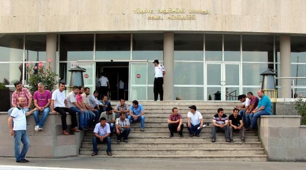 Zonguldak'ta Maden İşçilerinden Ücret Eylemi
