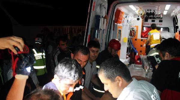 Zonguldak'ta Otobüsle Çarpişan Otomobilde 3 Yaralı